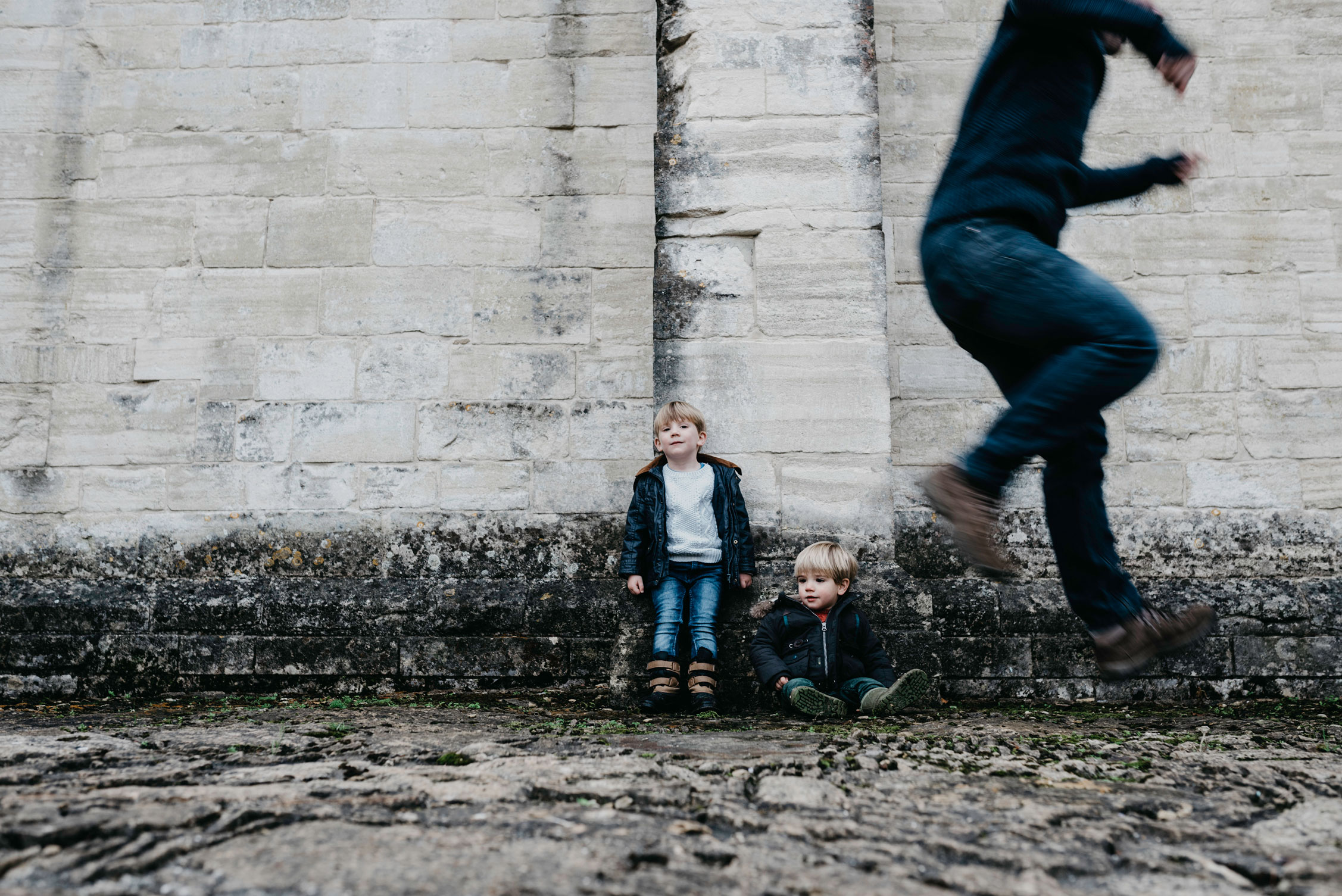 Family photoshoot in Bradford On Avon with Giraffe and Platypus